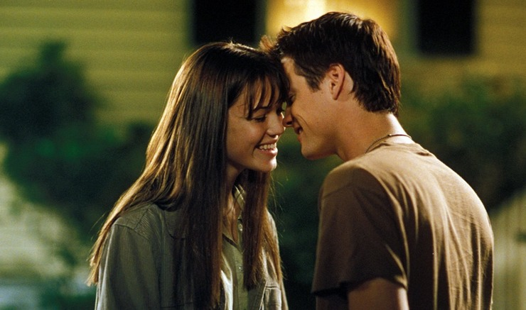 Mandy Moore and Shane West in A Walk to Remember.
